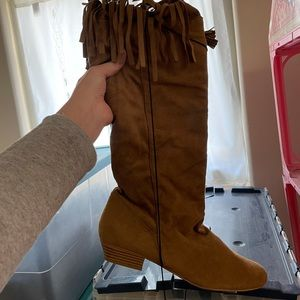 Shoes - NEED GONE - Slouchy Fringe Tan Boots